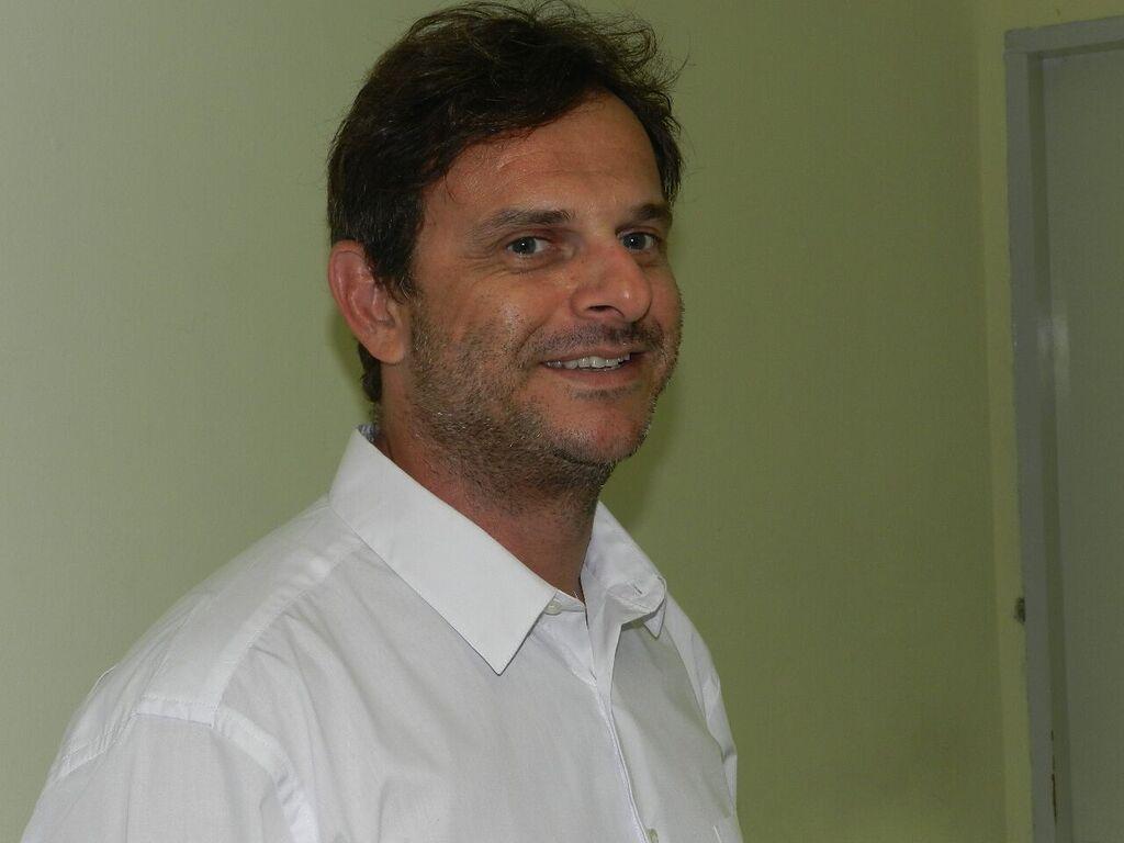 Dr. Flávio De Angelis