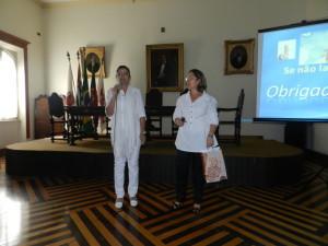 Enfermeira Denis Spósito, coordenadora do evento ea palestrante Enfermeira Maria Antonieta Velosco Martinho