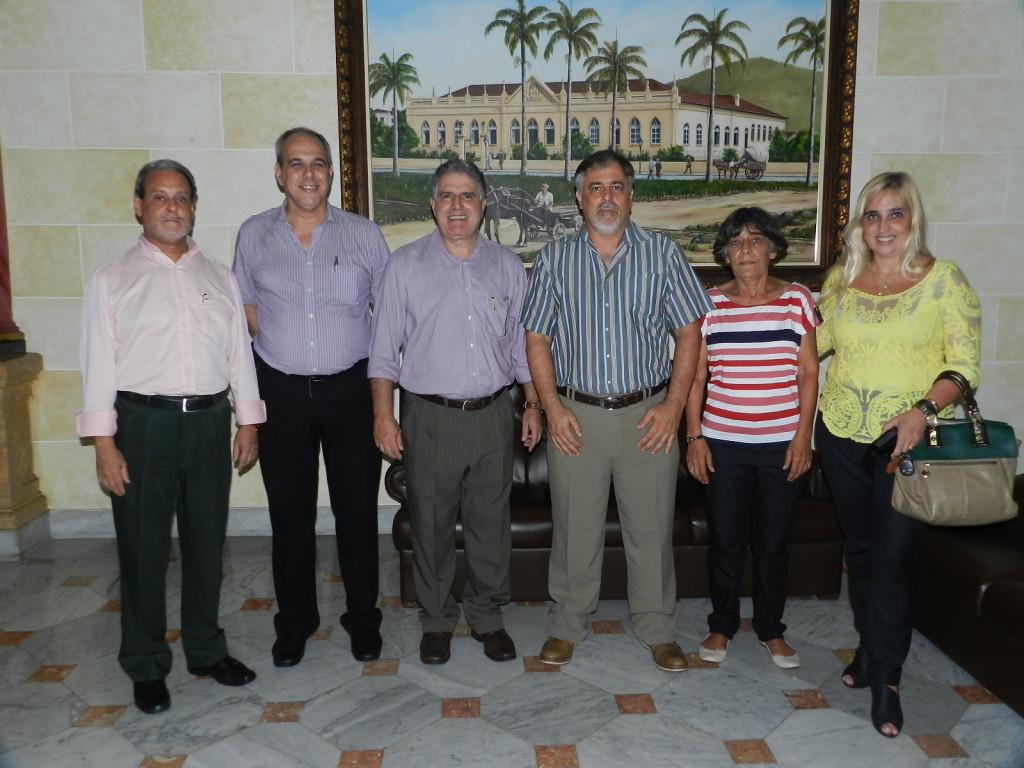 Da esquerda para direita: Carlos Alberto Limas, Renato Rodrigues Novaes, Ademir Pestana (Diretoria Executiva), e Rivaldo R. Novaes Jr, Delza Gonzalez e Mônica dos Santos (Mesa do Conselho Deliberativo)