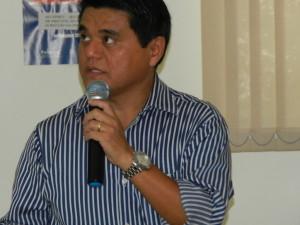 Dr. Marcos Magário