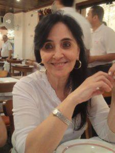 Diretora Maria de Lourdes Santos
